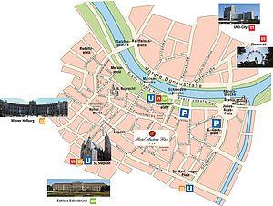 Gleich in der Nähe des Hotel Austria liegen die zwei Parkgaragen, hier können Sie Ihre Autos günstig und sicher parken