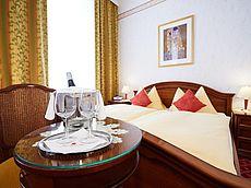 Doppelzimmer für 2 Personen im Hotel Austria