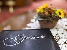Gästebuch im Hotel Austria